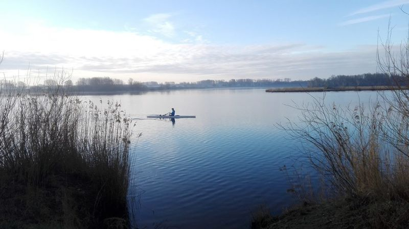 start to row